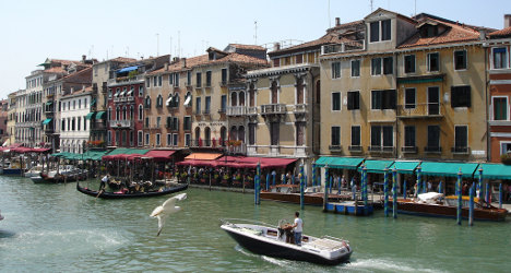 Motorboats go silent on Venice's Grand Canal