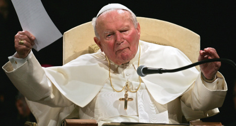 Man arrested for impersonating ex-pope