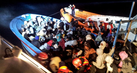 Seven immigrants drown in Italy sea crossing