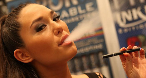 Italy mulls electronic cigarette ban in schools