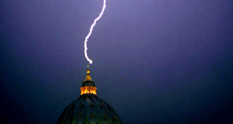 40,000 lightning bolts strike Italy in a day
