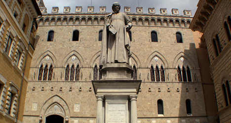 Monte Paschi bank cuts net loss to €380m