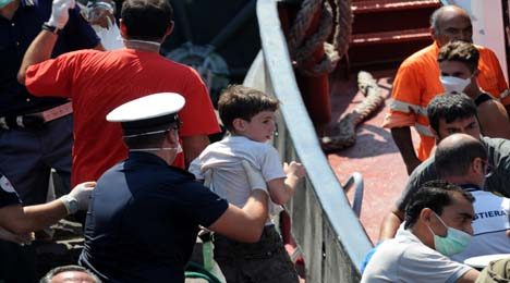 Syrians among 230 boat people landed in Italy