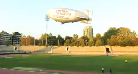 VIDEO: Crash airship left out of control over Milan