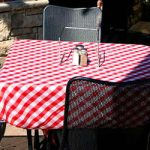A red and white checkered tablecloth is not Italian. In Italy they should be taken as warning signs of a tourist trap.Photo: Aaron Charlton/Flickr