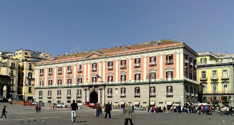 Letter bomb explodes at Naples prefecture