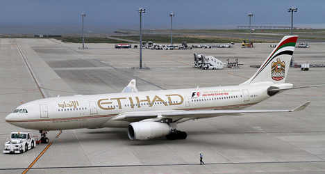 Etihad in early stages of Alitalia takeover talks
