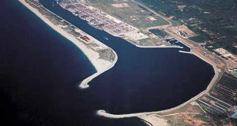 Calabrian port to host Syria chemical transfer