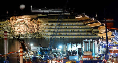 Costa Concordia to be towed away by June
