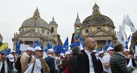 Desperate business owners march on Rome