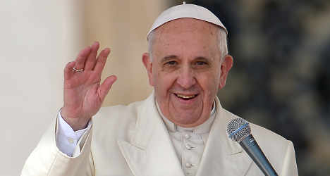 Pope hosts lovers' meet for Valentine's Day