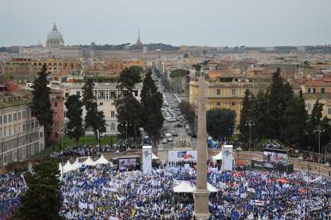 Tens of thousands of business owners protest in Rome