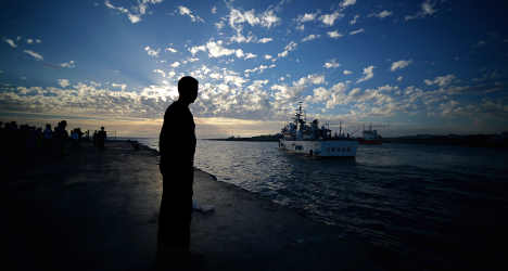 One dead among migrants and smugglers