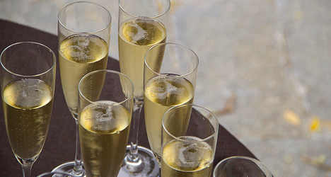 Prosecco knocks the fizz out of French rival