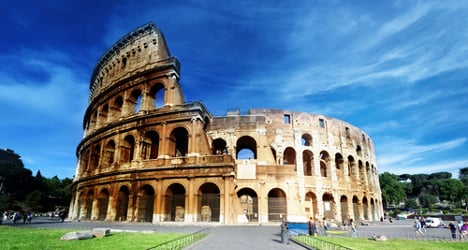 Canadian tourist steals brick from Colosseum