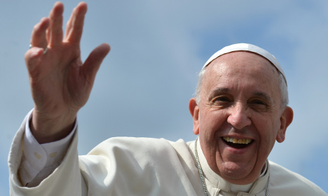 Pope 'more popular than Colosseum'