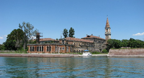 Outcry as Italy auctions off 'haunted island'