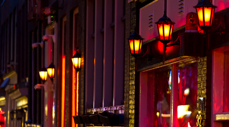 Red light district wins Rome mayor's support