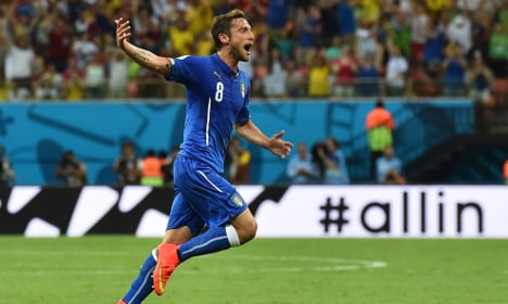 Italy clinches World Cup win against England