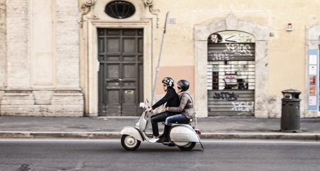 Italian commuters favour cars over scooters