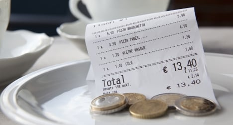 Why Italians don't tip (but Brits are worse)