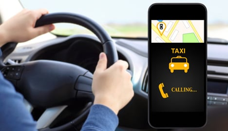 Italian taxi drivers launch app to rival Uber