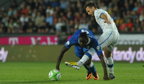 Balotelli misses out as Conte names Italy squad