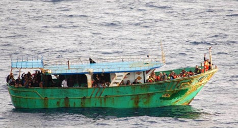 Italy mulls end to boat migrant rescue mission