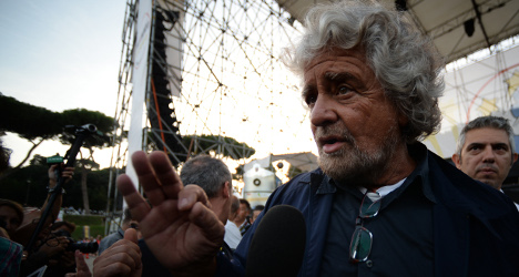 Right-wing party saves Grillo's EU alliance