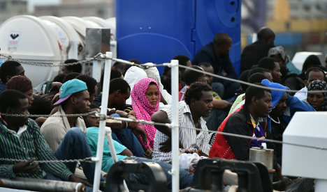 Migrants dice with death to reach Europe
