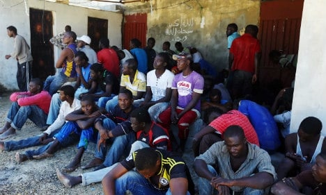 Nearly 800 migrants rescued off Italy