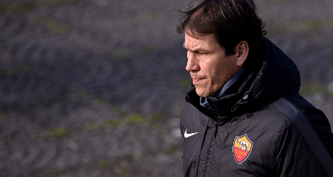 Roma coach to 'fight' charge of hitting steward