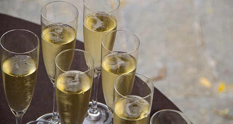 Sales of Italy's fizzy wine surge abroad
