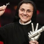 Italy's singing nun gives debut album to Pope
