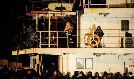 EU vows to fight migrant 'ghost ship' tactic