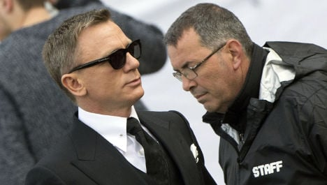 007 gets licence to eat in Rome