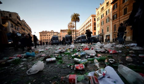 Rome riot: Dutch fans clash with police