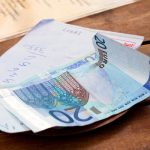 """<b>Pagare alla romana -</b> In Italy, splitting the bill doesn't have anything to do with the Dutch. It's viewed as a particularly Roman trait. Hence the expression: """"pagare alla romana"""" (to pay the Roman way).Photo: Shutterstock"""