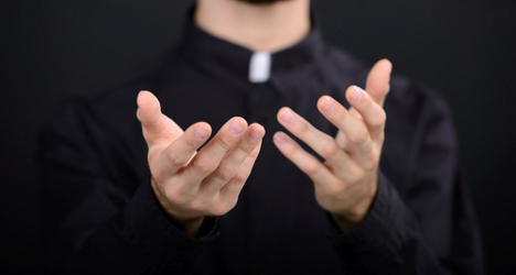 Priest defrocked over gay Facebook chat