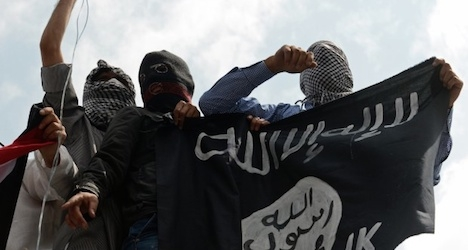 Isis supporters post photos in Rome: report