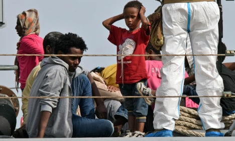 More than 700 migrants rescued in Mediterranean