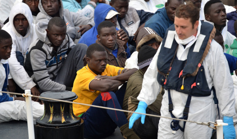 More migrants arrive as backlash gathers force