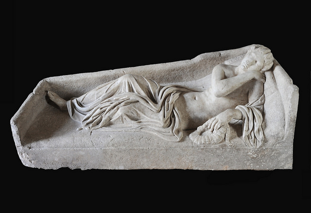 US returns haul of robbed Italy artefacts