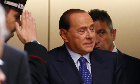 Berlusconi urges support for wrong candidate