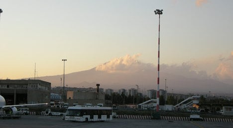 Bomb causes chaos for Sicily tourists
