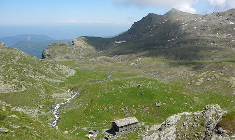 Five Italian alpine huts for a summer chill-out