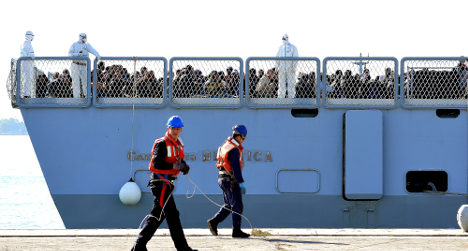 Sixty missing in new migrant shipwreck