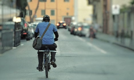 Rogue cyclists send Lecce around the bend