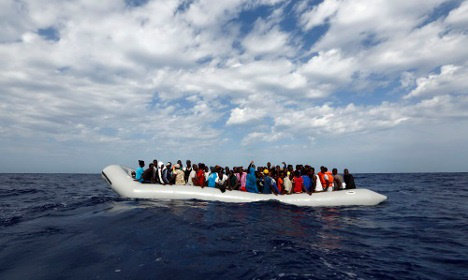 Panicking migrants can 'cause own shipwrecks'