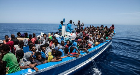 One in three Italy migrants refuse ID